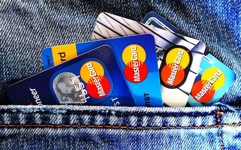 Coinbase gestisce pagamenti con carte di credito